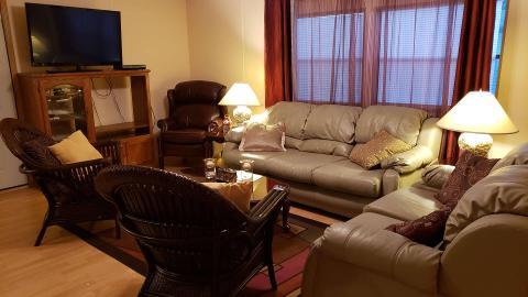 03-503-living-room-4