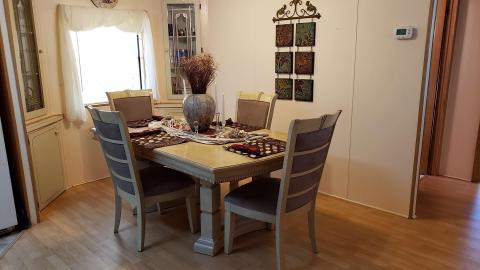 08-503-dining-room