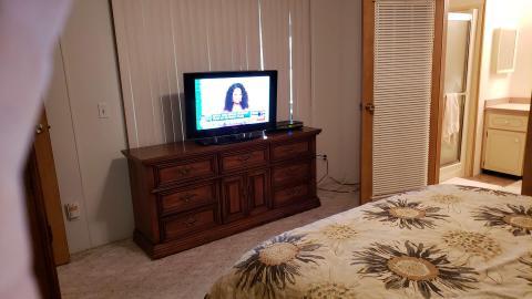 13-503-master-bedroom-4